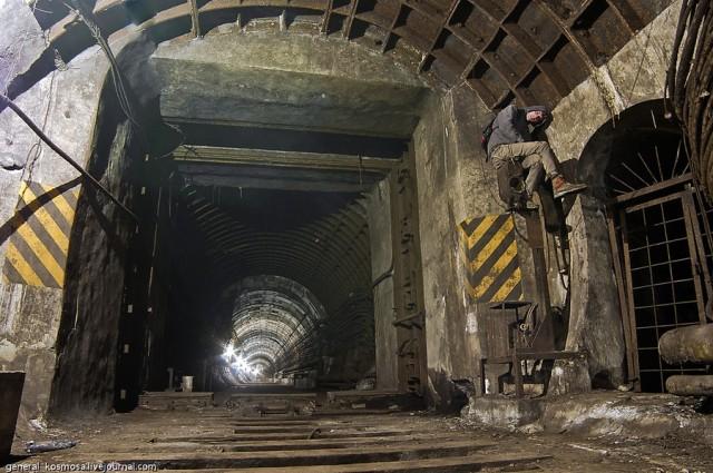 Про покинуту гілку метро яка досі