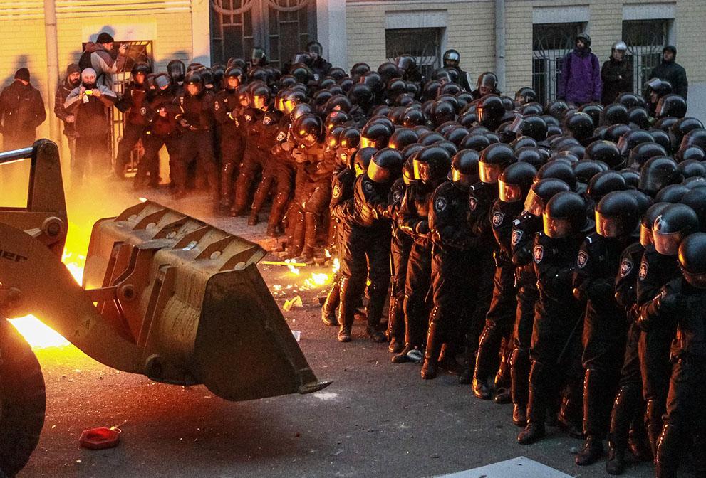 Протистояння на Банковій, 1 грудня 2013 року /Гліб Гаранич, Reuters/