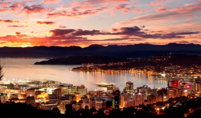 CroppedImage1136665-Wellington-City-Dawn-homepagelanding-Dillon-Anderson