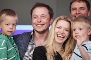 Керівник Tesla Motors відкрив школу, в якій немає розділу на класи