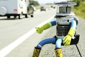 Експеримент: що буде, якщо на трасу поставити робота-автостопера