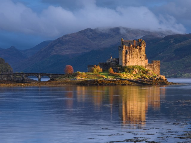 Dornie, view of the castle, Eilean Donan Castle