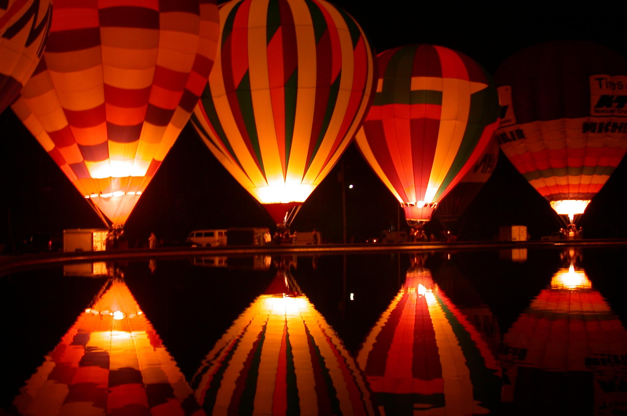 Картинки воздушные шары ночью