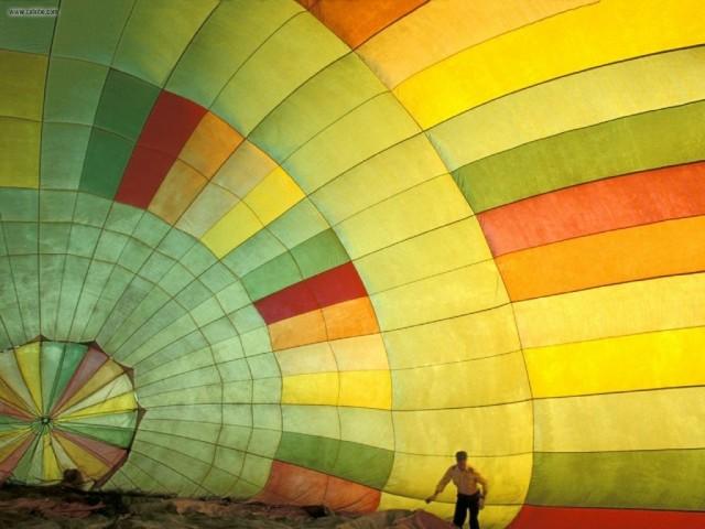 Inside_a_Hot_Air_Balloon_Provence_France_1024x768