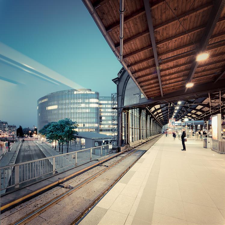 В очікуванні потягу