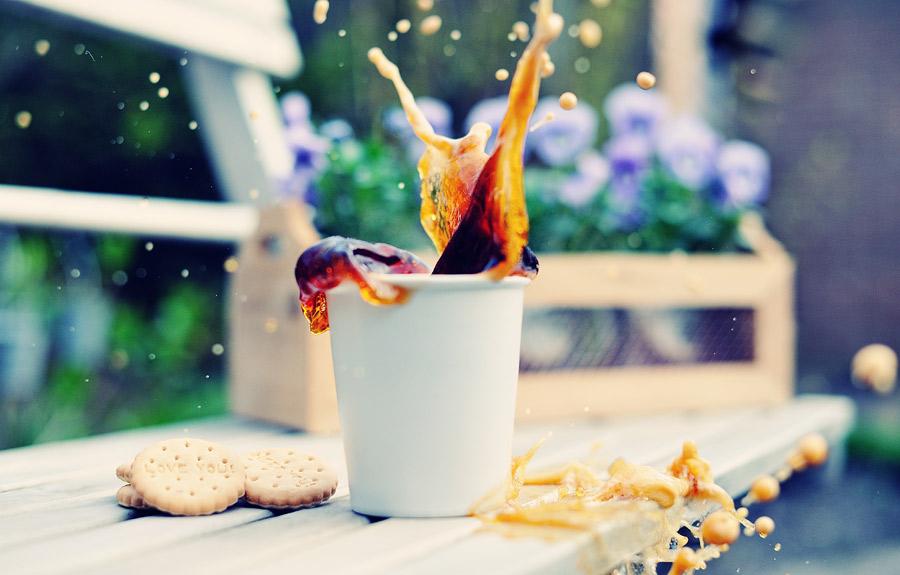Швидкісна фотографія: кофейні бризки