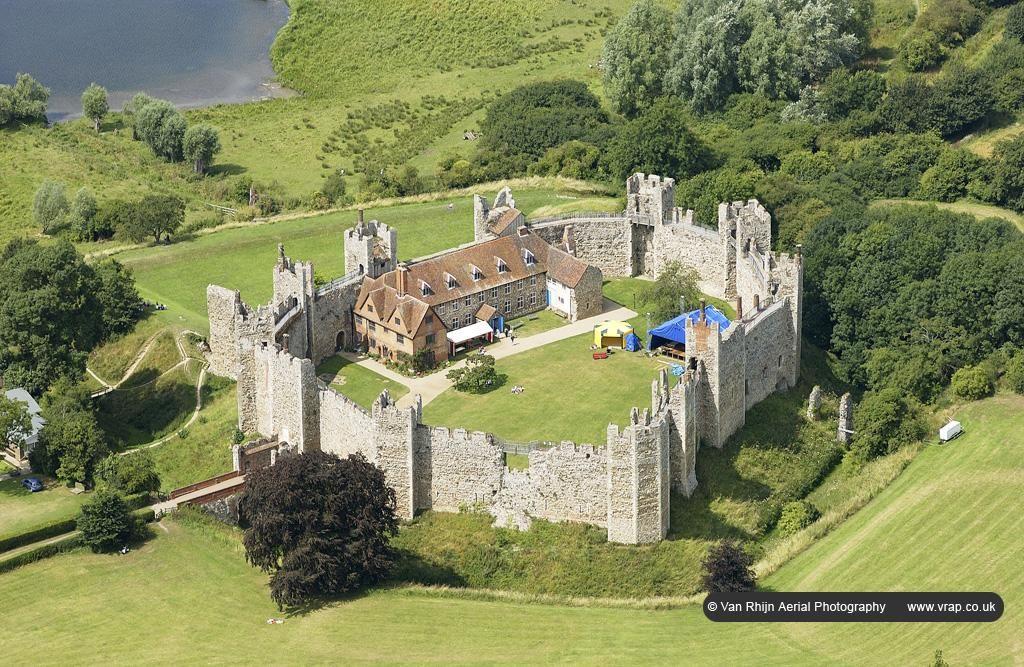 Замки Британії