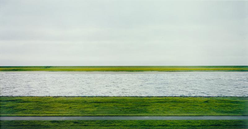 Andreas Gursky, Rhein II (1999), $4 338 500