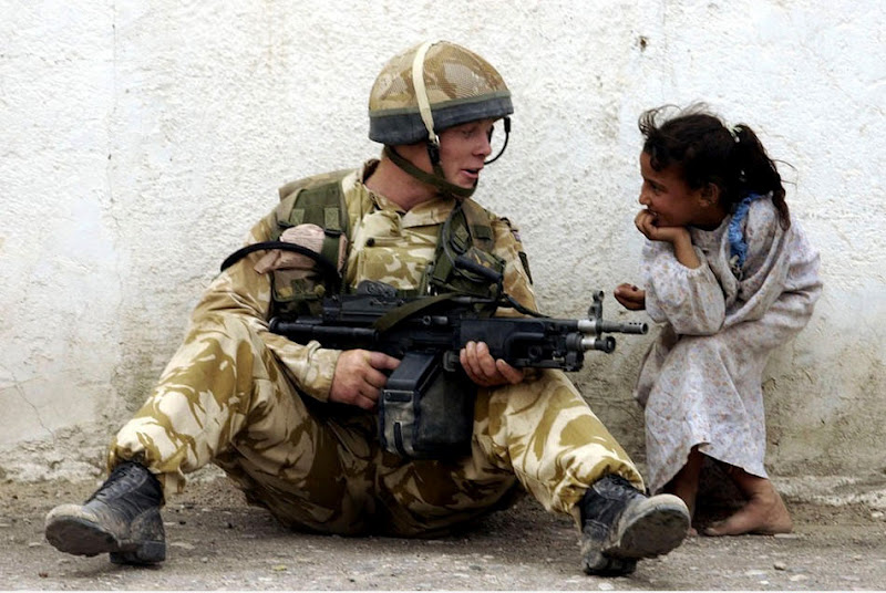 Мир посеред війни