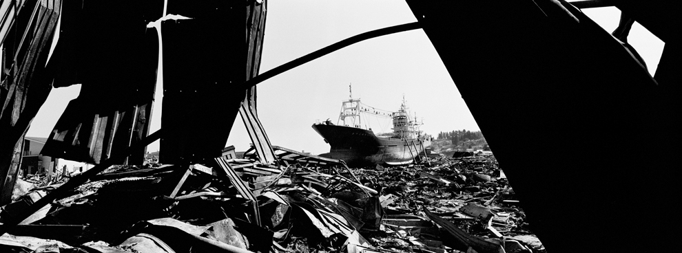 Суміш уламків після цунамі. (Paolo Pellegrin/Magnum Photos/Zeit Magazin)