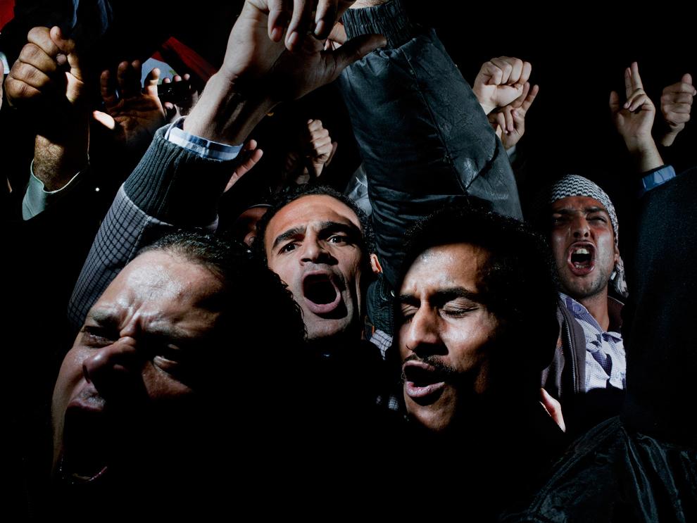 1 місце в рубриці Новини: мітингувальники кричуть, плачуть та радіють після повідомлення про відставку Хосні Мубарака, площа Тахрір, Єгипет. (Alex Majoli/Magnum Photos/Newsweek)