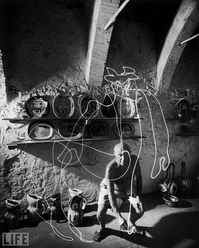 Пабло Пікассо намалював кентавра, Gjon Mili, 1949