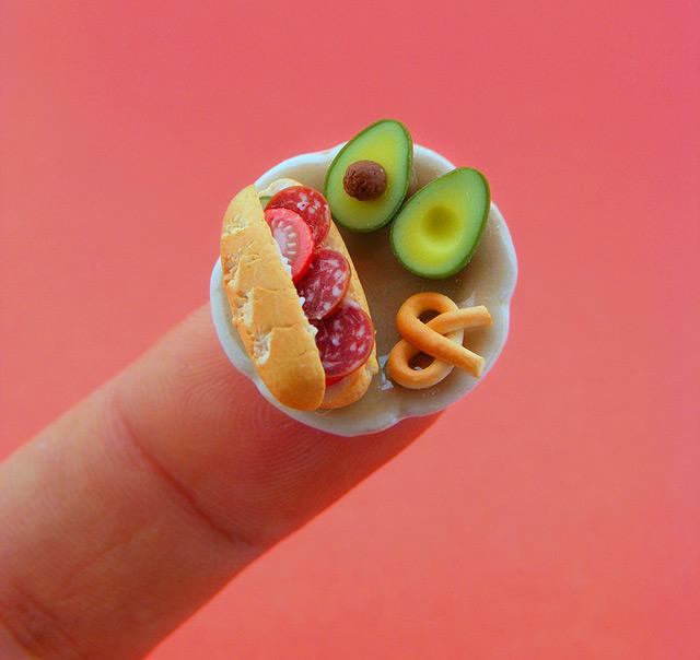 Мініатюрні скульптури їжі