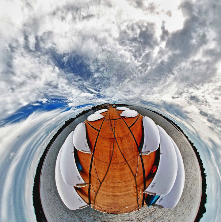 Сюрреалістичні пейзажі в 360°