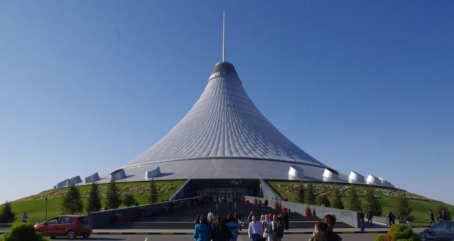 Хан-Шатир (Астана)