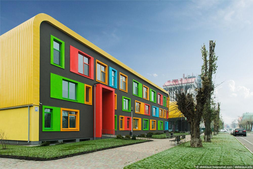 Яскраві будинки у самому серці країни