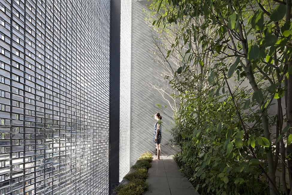 В Японії збудували будинок з оптичного скла