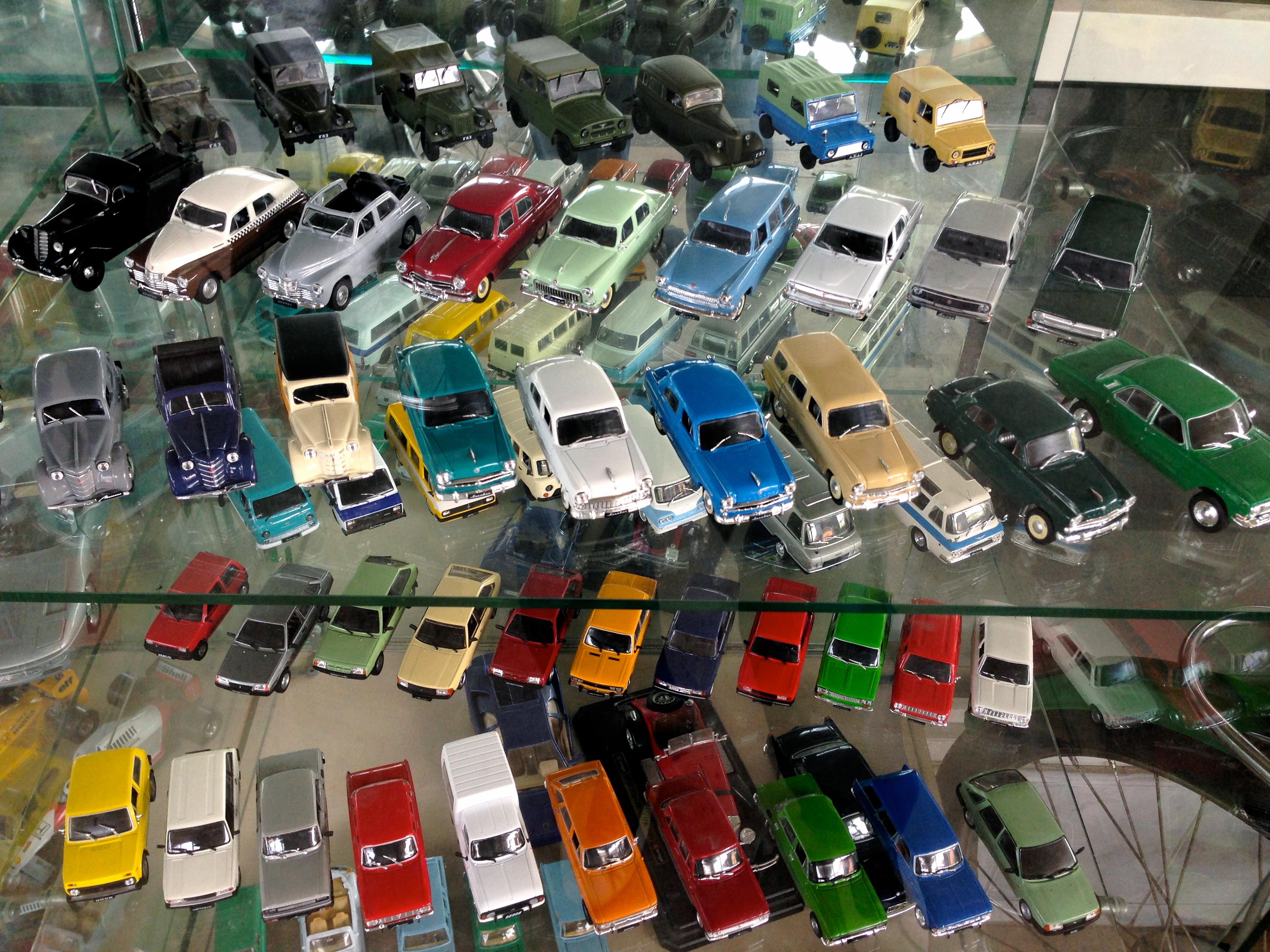 Музей старих автомобілів та речей у Вінниці
