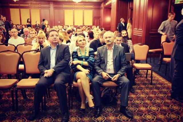 Віктор Пинзеник та Еліна Слободянюк в гостях у Вільній школі журналістики на економічній дискусії