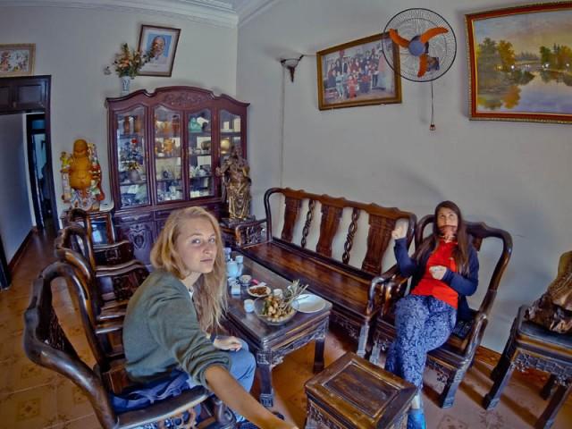 В'єтнам. Ханое. Гостини у 4-х поверховому домі найдобрішої в'єтнамської сім'ї