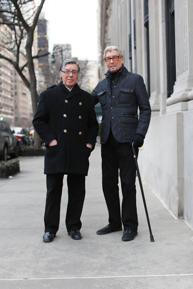 """""""Ми зустрілися 48 років тому на вечерці, присвяченій Хеллоувіну."""" """"Ви пам'ятаєте костюми, в яких були тоді?"""" """"Ми були єдиними людьми, які були не в костюмах."""""""