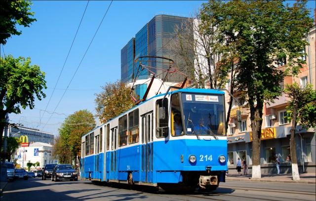 2014-05-09_Vinnitsa_13_Tram_Tatra_KT4SU