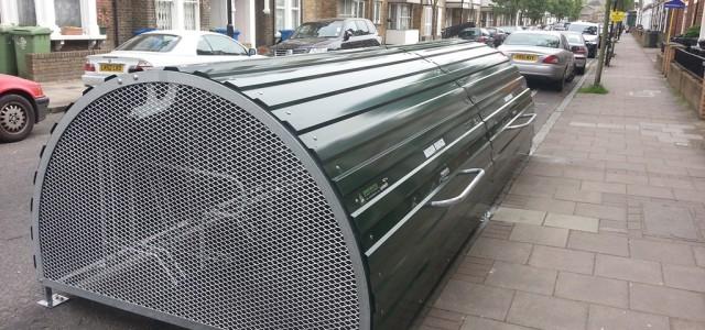 2014.04.17-LB-Lambeth-Brook-Dr-Bikehangar-Installation-8-640x300