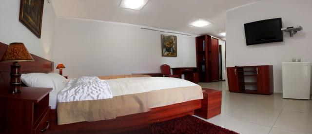 room_pano_02