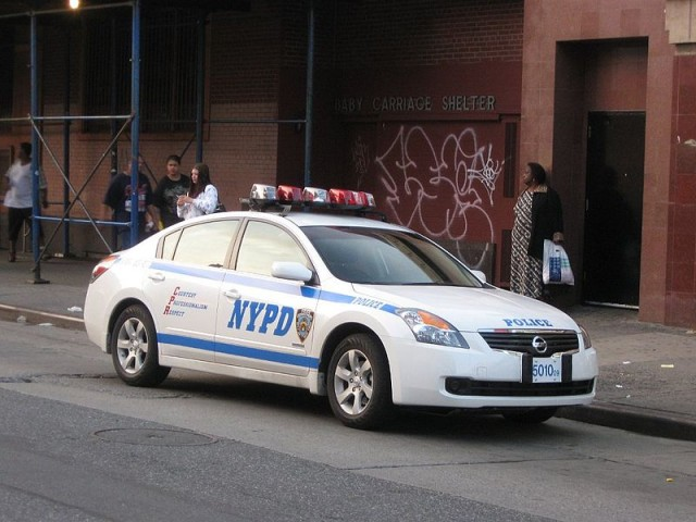 800px-New_York_City_Police_Department_Nissan_Altima_hybrid_5010