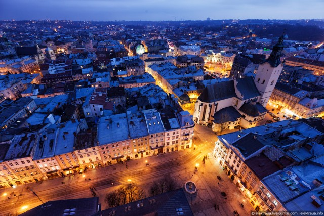 night-lviv-top-view