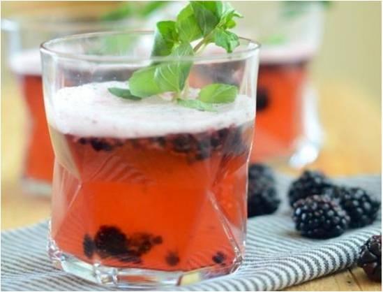 Blackberry-Rum Shandy